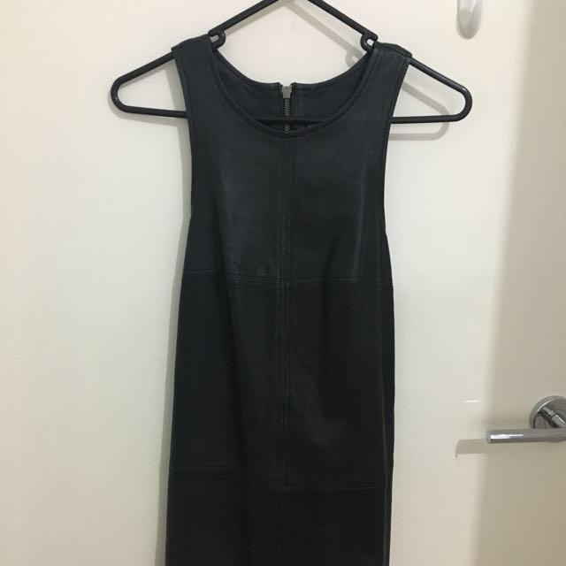 Museum 100% Leather Dress Sz 0 6