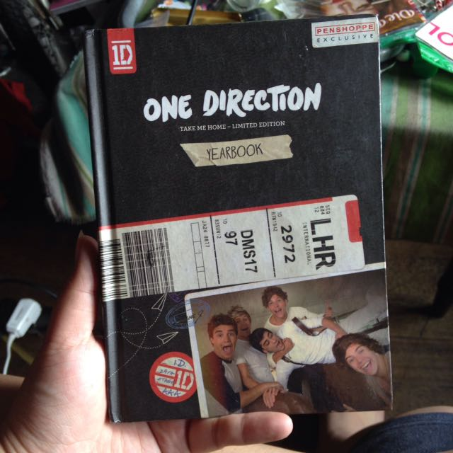 One Direction Take Me Home Yearbook (limited edition) on