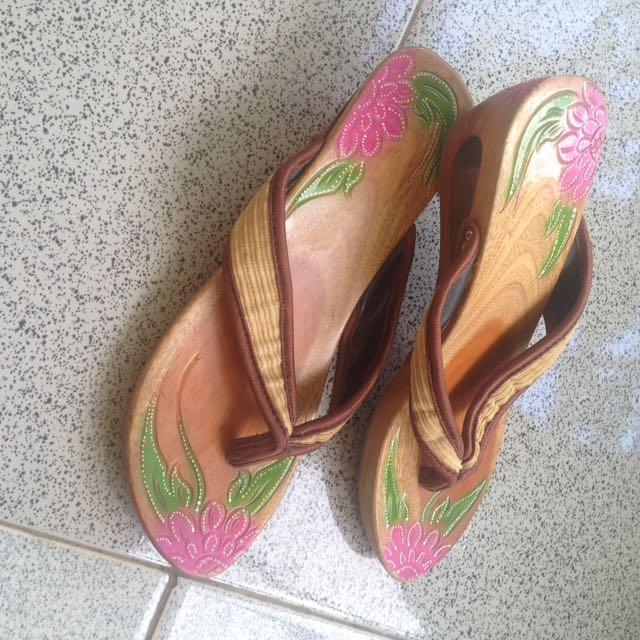 Sandal Bakiak Modern