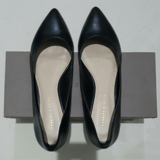 Sepatu CHARLES & KEITH