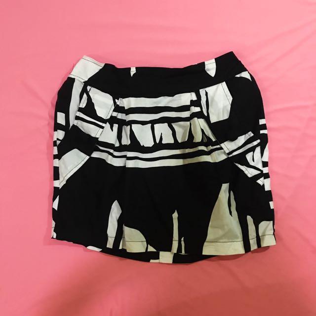 SUMMER SALE! Black Pattern Skirt