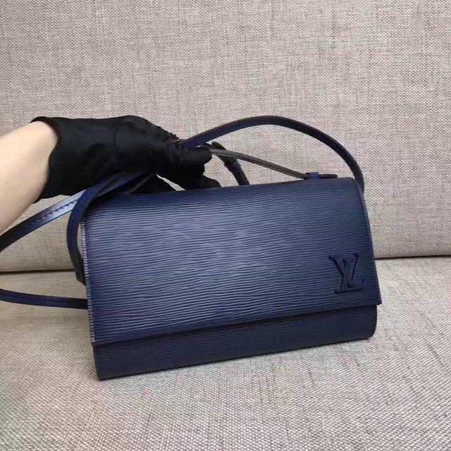 The top Quality Louis Vuitton bag
