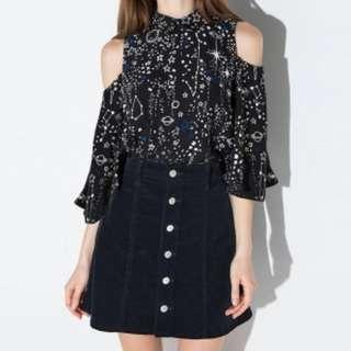 BNWT cold shoulder blouse
