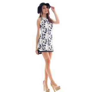 TSW Tic Tac Toe Frame Dress In Blackthorne