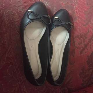 preloved vincci court shoes