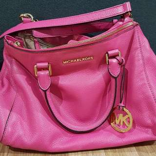 REDUCED!! 💯 Authentic Michael Kors Pink Bag!