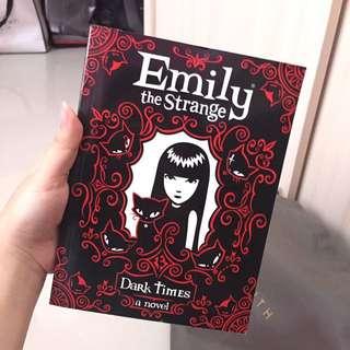 Novel Emily The Strange (english)
