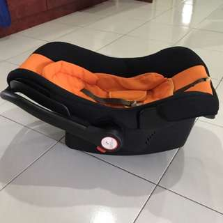 Car Baby Seat Cum Detachable Baby Basket