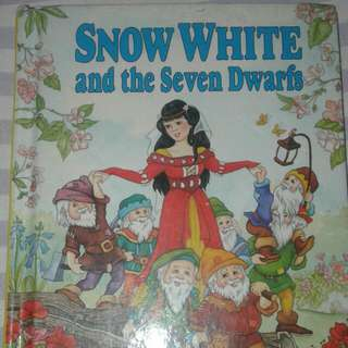 Snow White & The Seven Dwarfs Book