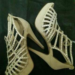Repriced! High heel Embellished Footwear