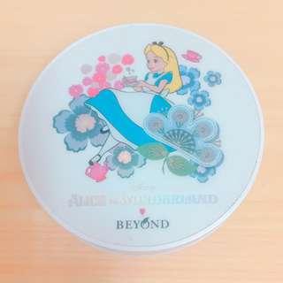 [二手] 韓國 BEYOND 愛麗絲夢遊仙境 聯名款 氣墊粉餅盒  #兩百元彩妝出清