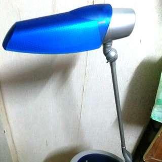 飛利浦護眼藍色枱燈 樫電燈膽