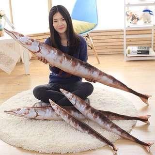 仿真秋刀魚抱枕110cm😻貓咪最愛的魚 毛絨玩偶 生日禮物