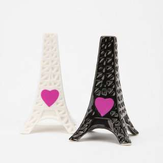 NEW EIFFEL TOWER HEART SALT AND PEPPER SHAKERS