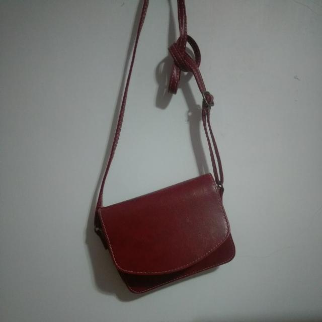 酒紅側背小包包