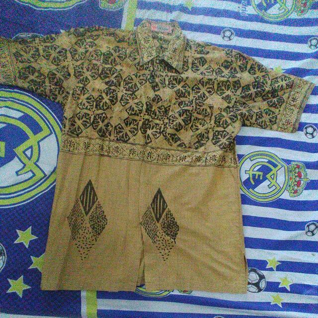 Baju Batik Cowo Size M