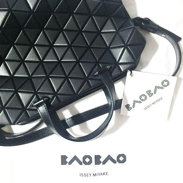 Baobao Issey Miyaki Tonneau Boston Bag Matte Mini 649c71df19297