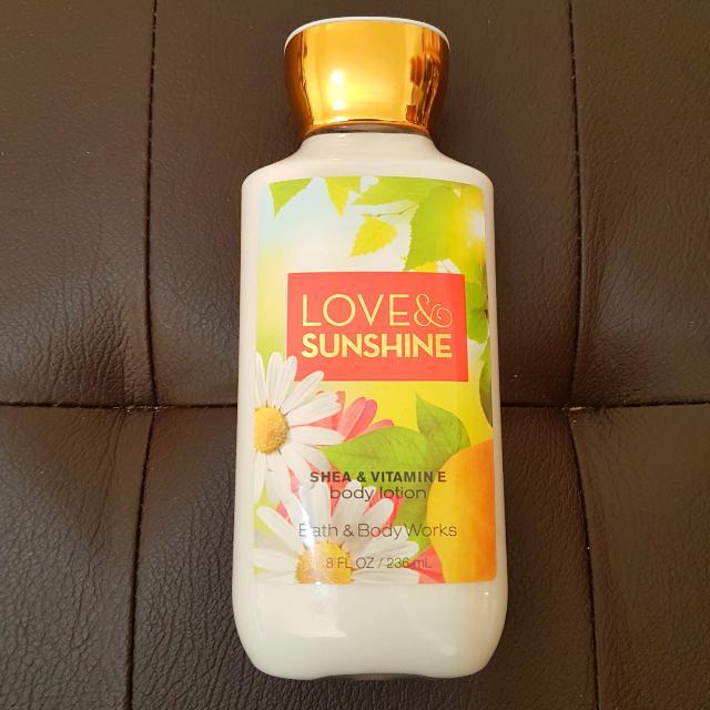 BATH AND BODY WORKS Love & Sunshine Shea &Vitamin E Body Lotion 8 fl oz / 236 ml