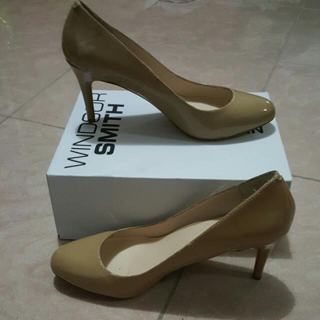 BNIB womens windsor smith nude heels