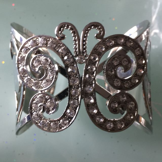 Brand New Silver Bracelets And Clasps