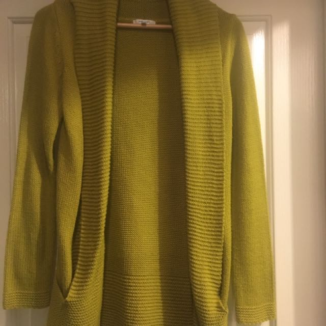Cardigan Knit. Size Small. Valleygirl