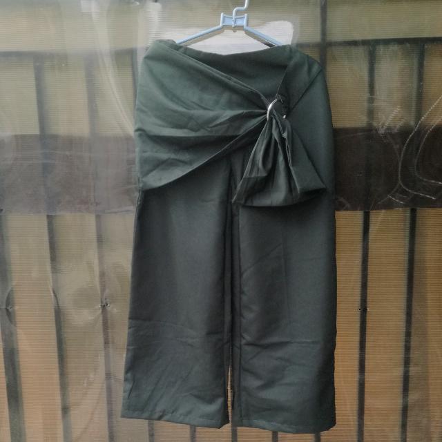 celana cullote, kulot, culote hijau army (freong jabodetabek)