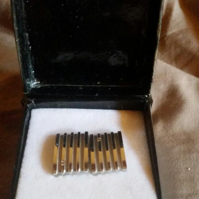 cuff links never used