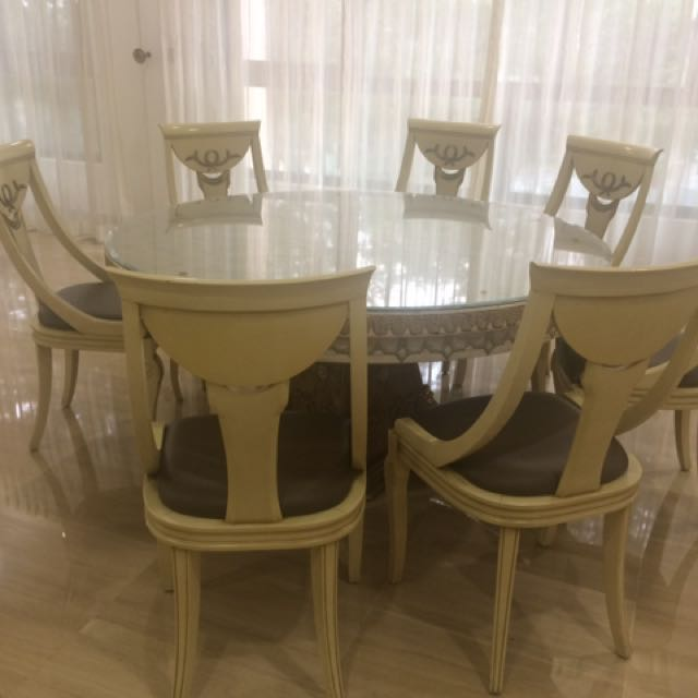 Davinci Round Dining Table With 8 Chairs Furniture Tables Chairs On Carousell
