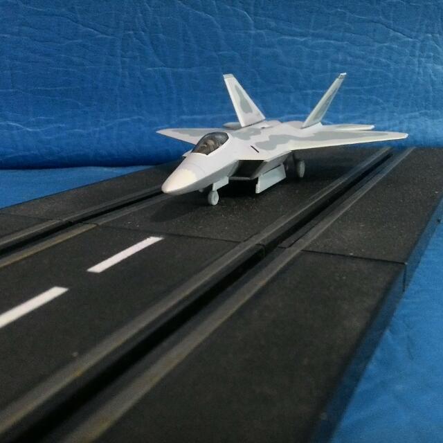 F22 猛禽戰鬥機 1:144