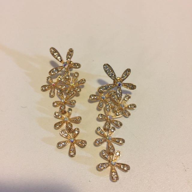 Gold Flower Drop Earrings