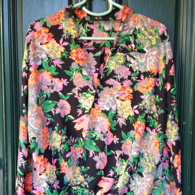 ICE Size M Floral Blouse Top