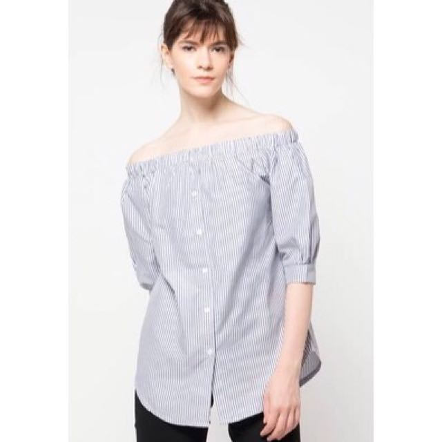 Kalaka Off Shoulder Top