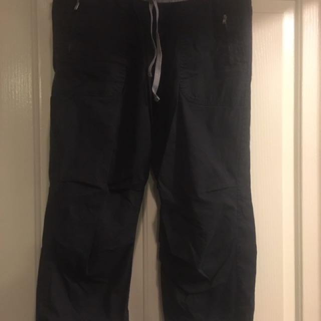 Lorna Jane 3/4 Length Black Flash Pants. Size Small.
