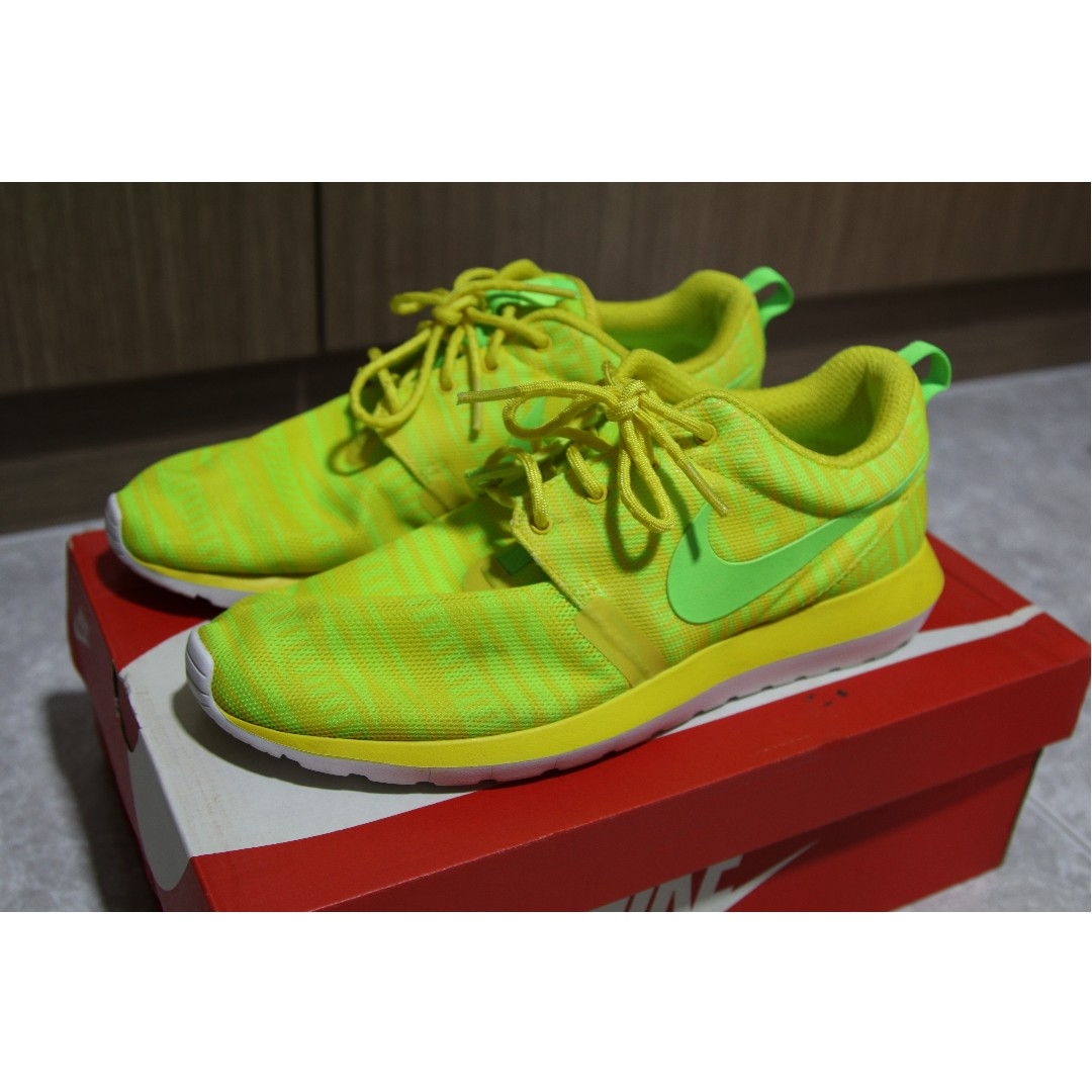 7a988110d55a Men s Nike Roshe Run NM BR Running Shoes - 644425 700
