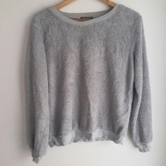 Mirrou Sweater