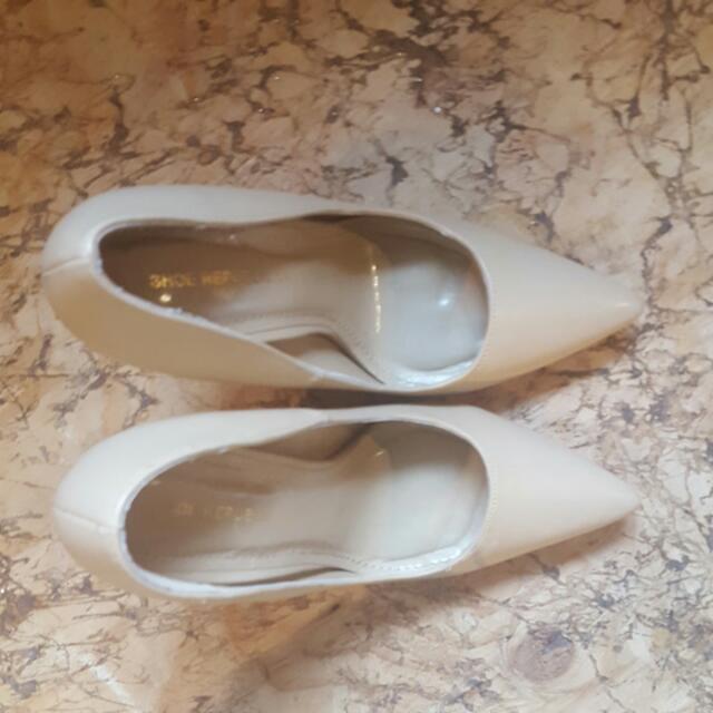 Nude High Heels From Shoe REPUBLIC LA
