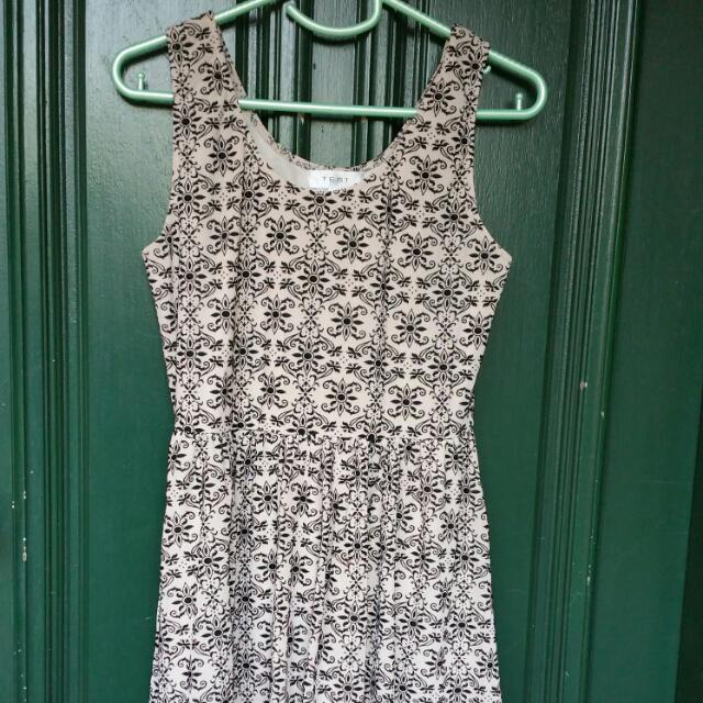 Papers N Scissors Size 12 Dress