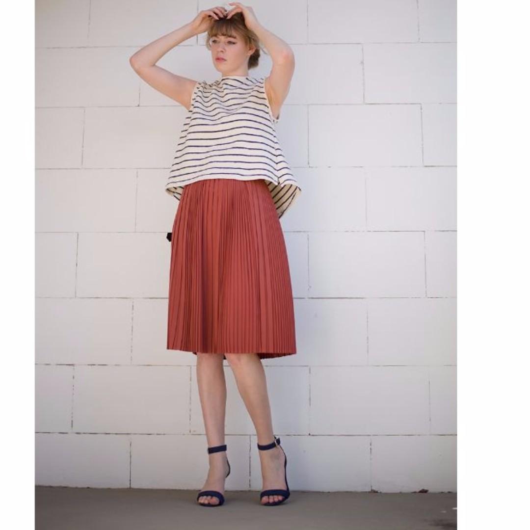 Pleated knee length skirt high waist skirt