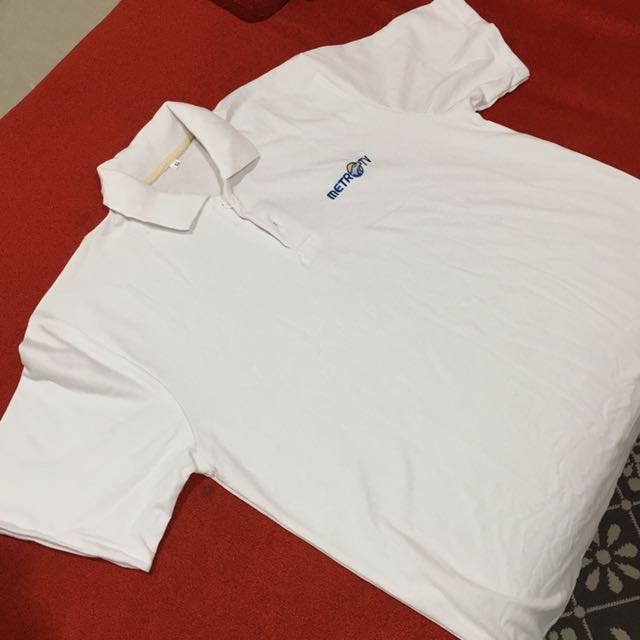 Kaos Polo shirt Metro Tv Size XL