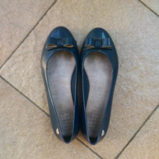 Preloved Rubber Flat Shoe