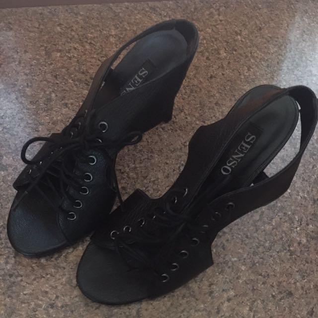 Senso Black Leather Lace Up Sandals