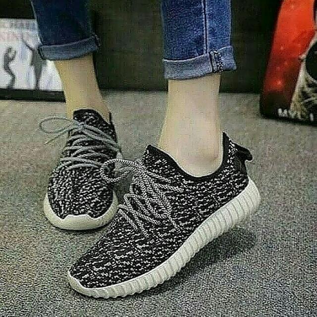 Sepatu Kets Yz Hitam ...