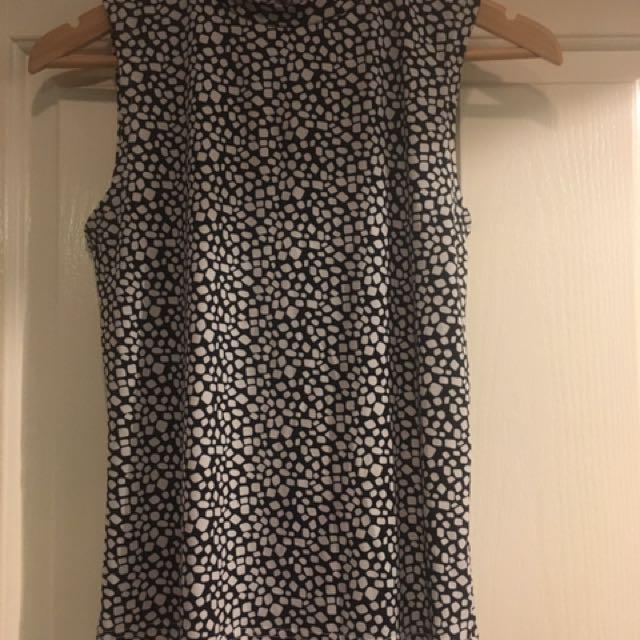 SES Size 12 Black & White Top