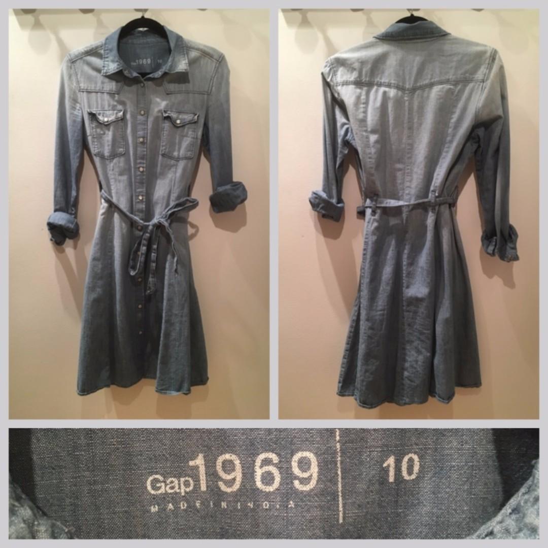 Size 10 - Gap denim dress