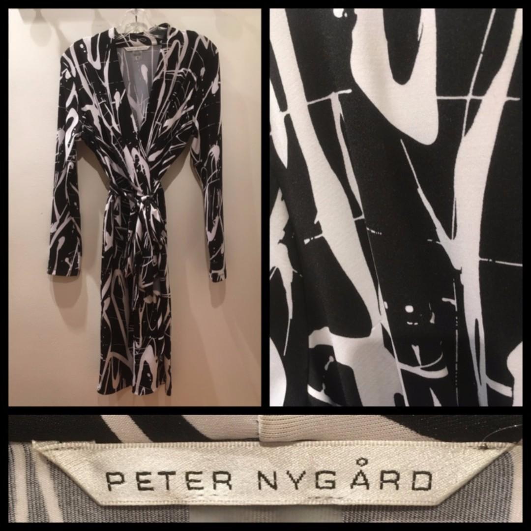 Size M - Peter Nygard faux wrap dress