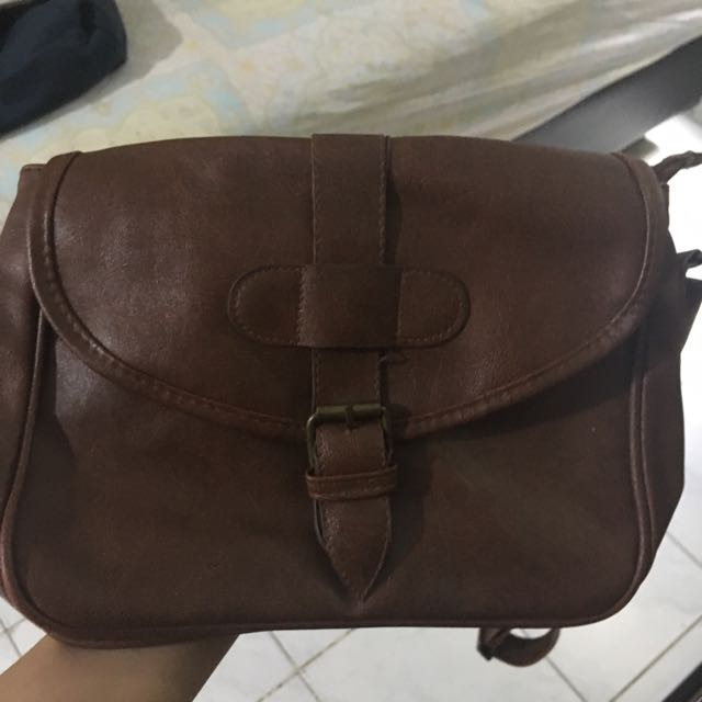 sling bag kulit coklat
