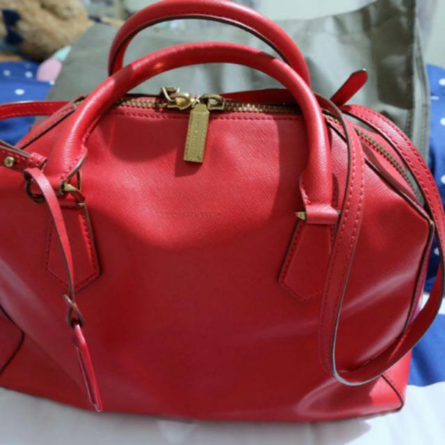 Tas C n K Authentic Merah