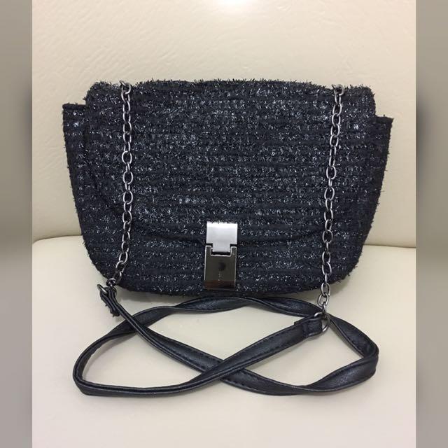 Terranova Sling Bag