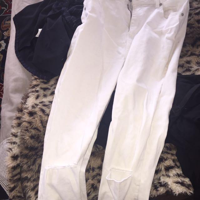 White Skinny Leg Knee Rip Distressed Jeans