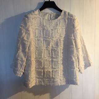 氣質款 H&M 羽毛抽鬚白色七分袖上衣